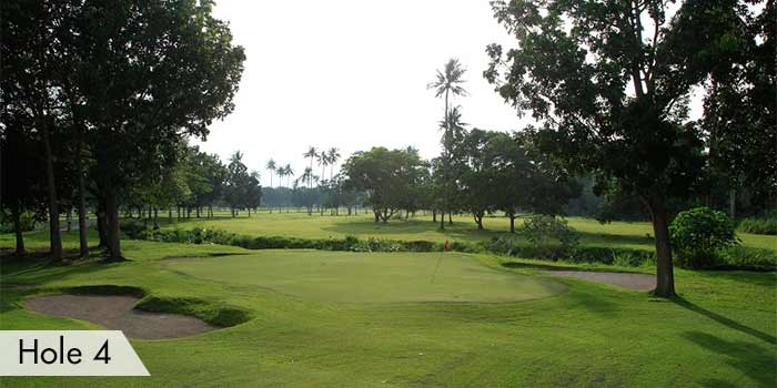 The Hole 4 at AngTay Golf and Country Club with Sand Bunkers