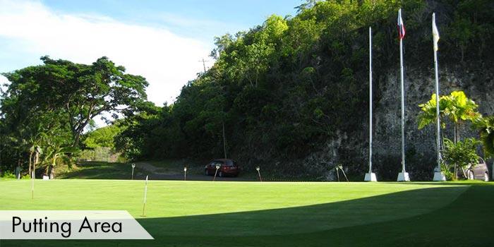 Practice Putting Area at Club Filipino Inc. de CebuClub Filipino Inc. de Cebu