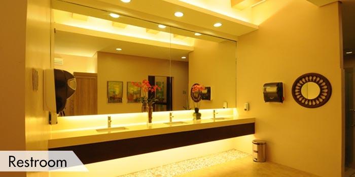 Rancho Palos Verdes Golf & Residential Estates Restroom