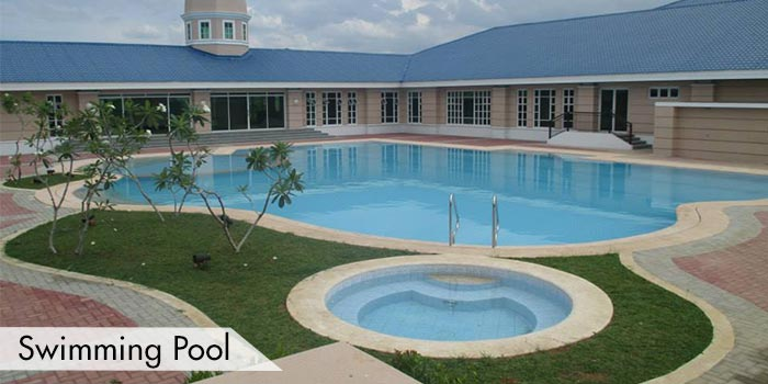 Summit Point Golf & Country Club Swimming Pool